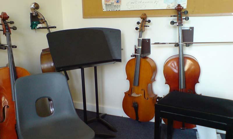 Strings-room-lo